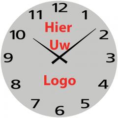 Logo op klok 95cm Aluminium cijfers